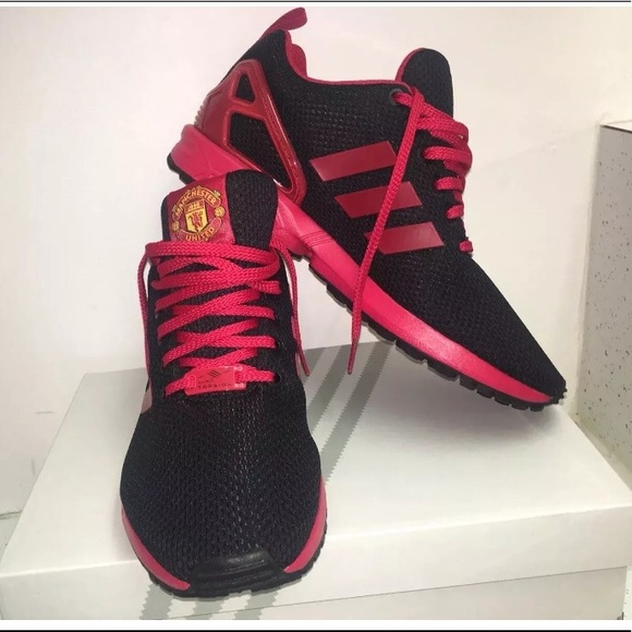 Men S 9 5 Manchester United Sneakers